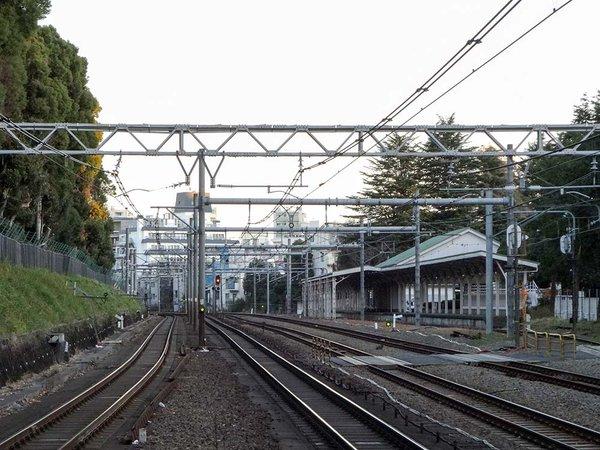 天皇陛下専用。原宿駅の50m先に、宮廷ホームがあるらしい【動画】