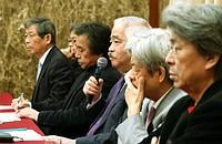 3月1日のトピック…電波停止発言民放キャスター怒りの会見、認知症電車事故JRが敗訴、「マジ迷惑」学生が京大中核派バリケード撤去、NECモバイル解散、3月から放送開始 i-dio